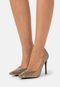 Wallis - PRETTY - High heels - gold/bronze - 0