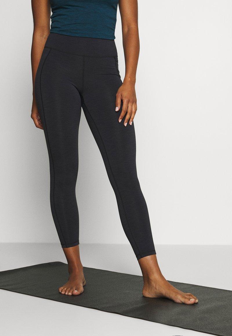 Sweaty Betty - SUPER SCULPT 7/8 YOGA LEGGINGS - Legging - black marl