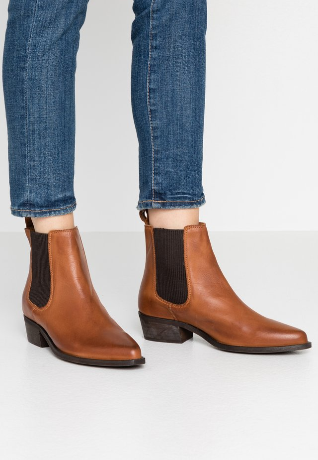 BIACOCO CHELSEA WESTERN - Classic ankle boots - cognac