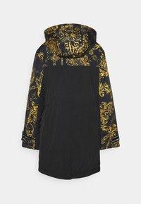 Versace Jeans Couture - OUTERWEAR - Parka - black/gold - 7