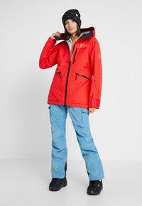 Helly Hansen - KVITEGGA SHELL JACKET - Snowboardjakke - alert red - 1