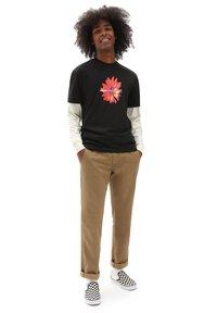Vans - MN BLOOMING SS - T-shirt med print - black - 1