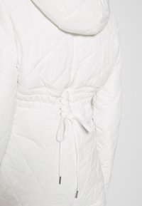 Missguided - SKI QUILTED CORSET SNOW - Jumpsuit - white - 5