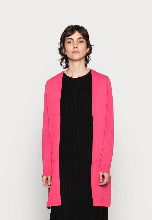 CARDIGAN - Neuletakki - pink berry