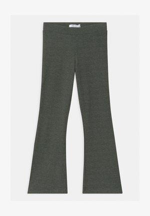 NKFBALINA  - Pantalon classique - climbing ivy