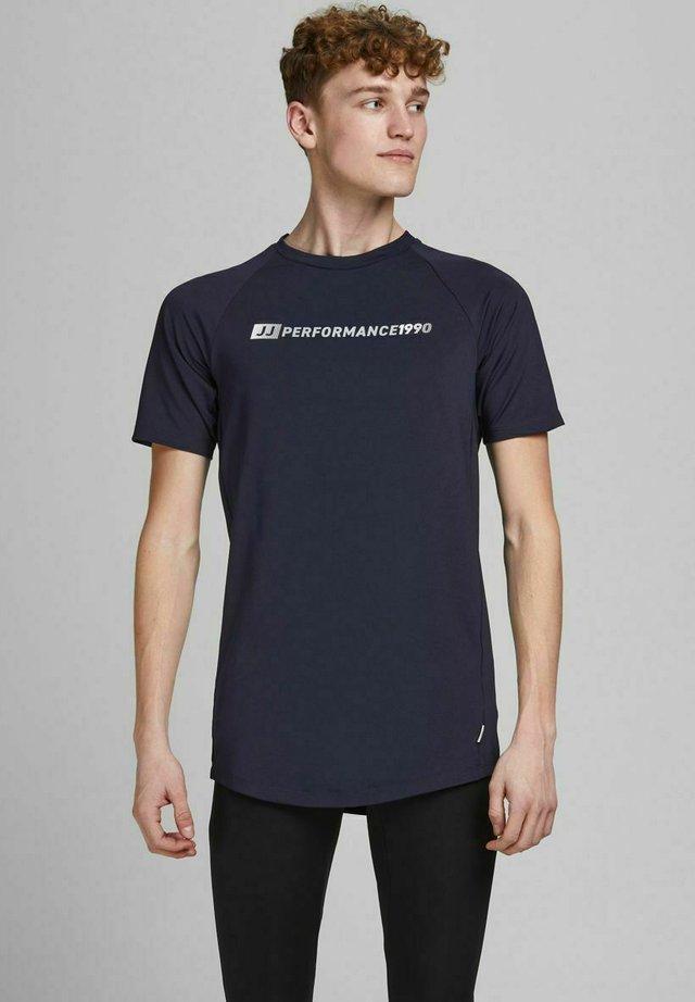 PERFORMANCE - T-shirt imprimé - navy blazer
