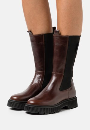 STINT - Platform boots - brown