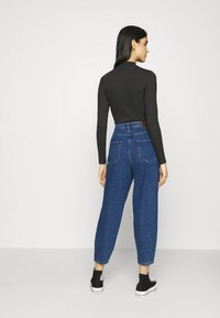 ONLY - ONLVERNA BALLOON  - Relaxed fit jeans - dark blue denim - 2