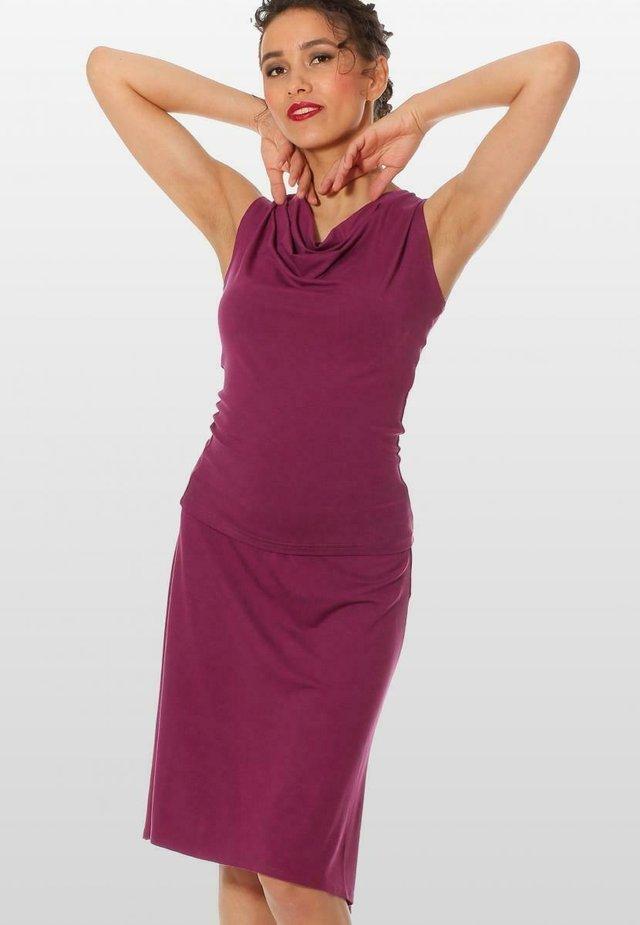 FUXIA - A-line skirt - fuchsia