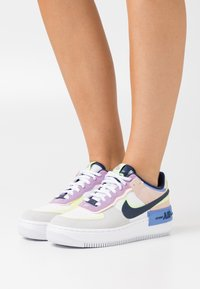 Nike Sportswear - AIR FORCE 1 SHADOW - Trainers - photon dust/royal pulse/barely volt/crimson tint/violet star/midnight navy - 0
