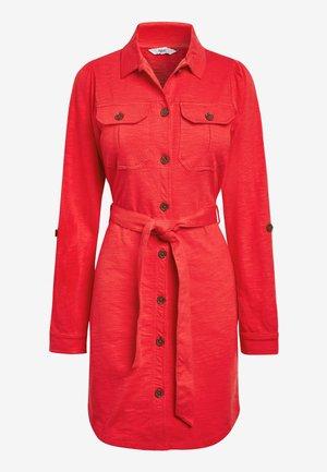 BELTED SHIRT DRESS - Denim dress - red
