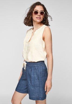 Shorts - faded blue melange