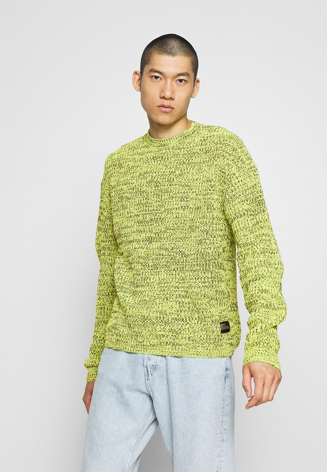 TWIST UTILITY LABEL CREW NECK - Jumper - lime