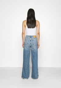 BDG Urban Outfitters - RIPPED KNEE PUDDLE - Jeans relaxed fit - dark vintage - 2