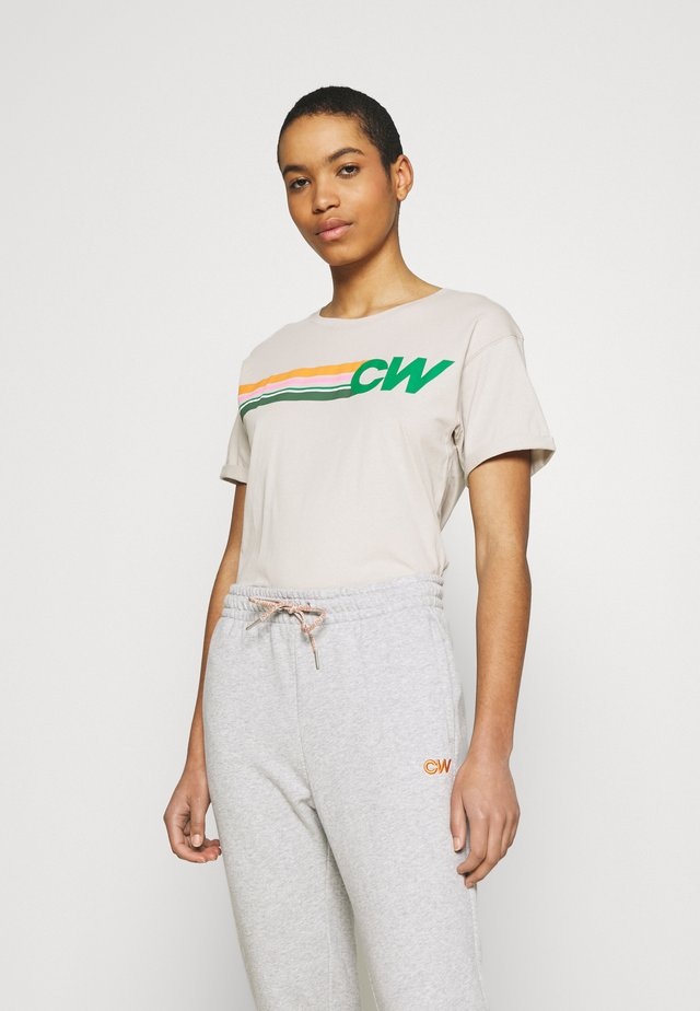 SHORE TEE - T-shirt z nadrukiem - sandshell