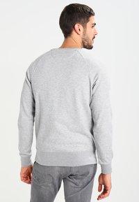 GANT - SHIELD C NECK - Sweatshirt - grey melange - 2