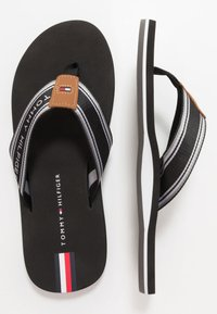 Tommy Hilfiger - LOGO TAPE BEACH  - Sandály s odděleným palcem - black - 1