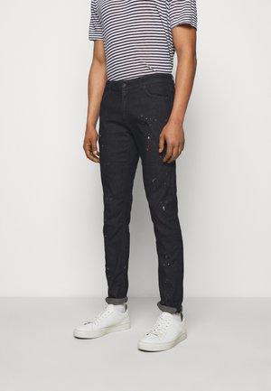 SCHIZZI - Skinny džíny - black