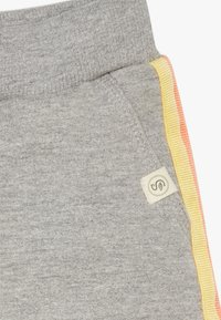Smitten Organic - BABY ZGREEN - Tracksuit bottoms - grey melange - 3