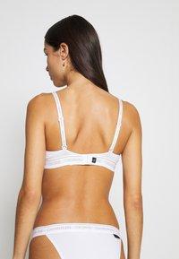 Calvin Klein Underwear - ONE LIGHTLY LINED DEMI - Sujetador push-up - white - 2
