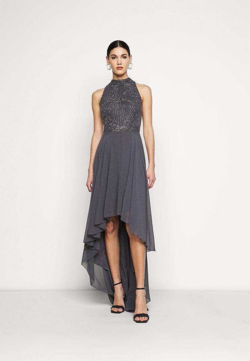 Lace & Beads Tall - AVERY HIGH LOW DRESS - Společenské šaty - charcoal