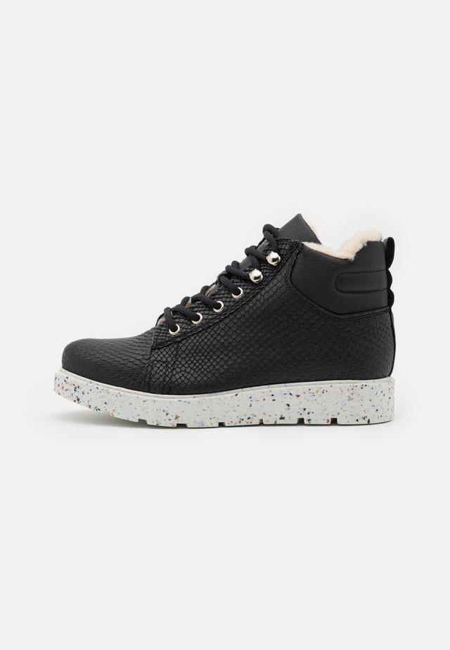 VMTESA  - Boots à talons - black