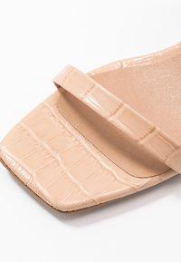 L'INTERVALLE - KENDI - Sandaalit nilkkaremmillä - maquillaje lirio - 2