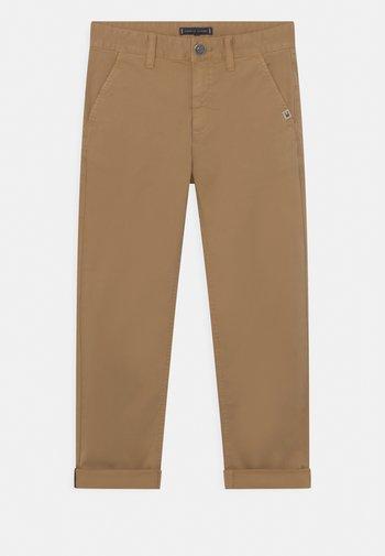 MODERN STRAIGHT - Trousers - classic khaki