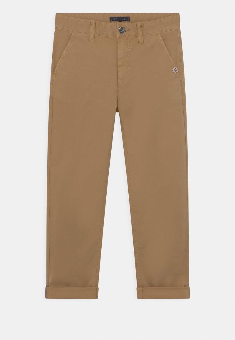 Tommy Hilfiger - MODERN STRAIGHT - Pantaloni - classic khaki