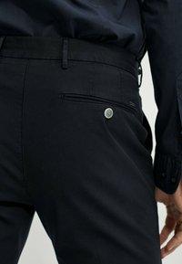 Massimo Dutti - SLIM FIT - Chinos - blue-black denim - 3