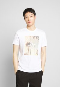 Original Penguin - PHOTOFILL STAMP LOGO TEE - T-shirt print - bright white - 0