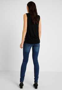 MAMALICIOUS - Slim fit jeans - blue denim - 2