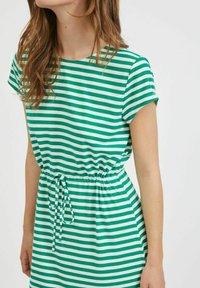 Vila - VIMOONEY STRING - Jersey dress - pepper green - 4
