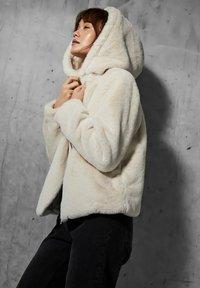 Vero Moda - Winter jacket - birch - 4