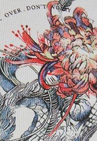 Bershka - T-shirt imprimé - blue - 3