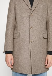 DRYKORN - BLACOT - Klasický kabát - beige - 5