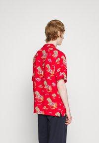 Carhartt WIP - BEACH - Shirt - etna red - 3