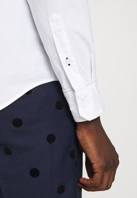 Calvin Klein - SLIM FIT - Formal shirt - white - 4