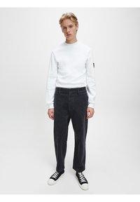 Calvin Klein Jeans - SLIM  - Maglietta a manica lunga - bright white - 1