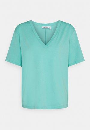 LAST V NECK - Jednoduché triko - turqoise green