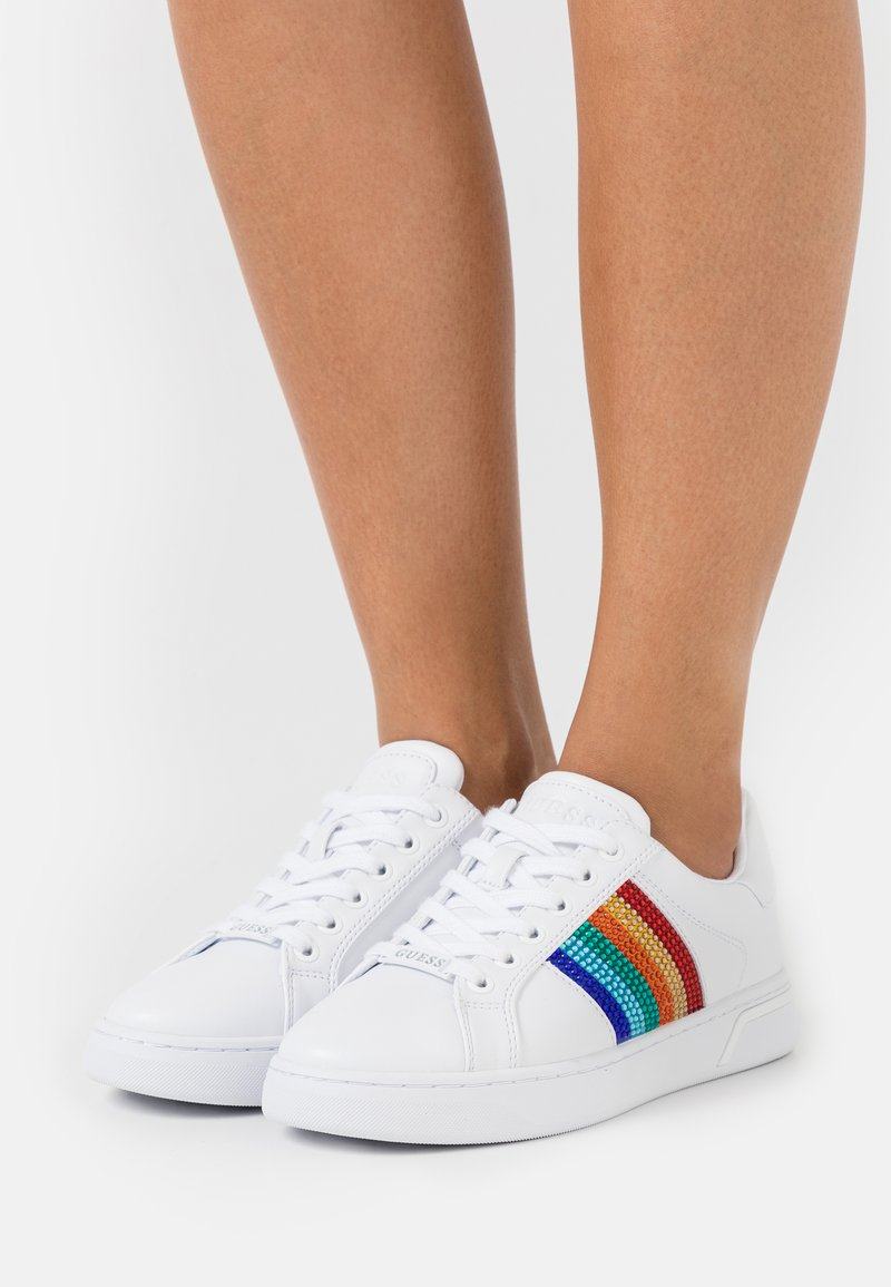 Guess - ROLLIN - Sneakers basse - white