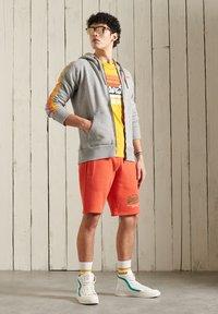 Superdry - CORE LOGO CALI RAGLAN  - Zip-up hoodie - grey slub - 0