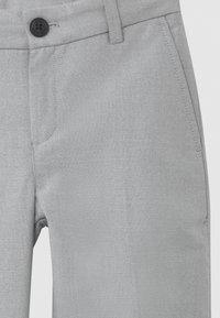 BOSS Kidswear - CEREMONY - Oblekové kalhoty - mottled light grey - 2