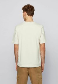 BOSS - Basic T-shirt - off-white - 3