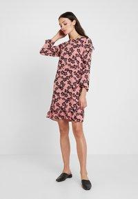 Moss Copenhagen - GRACIE SHORT DRESS - Day dress - light pink - 2