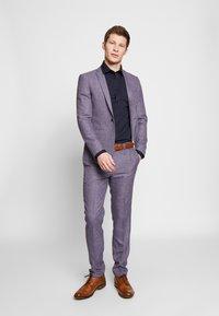 Bertoni - GUSTAV - Kostymskjorta - dress blue - 1