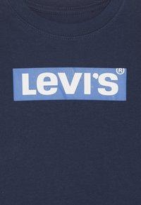 Levi's® - BOX TAB TEE - Long sleeved top - dress blues/prince blue - 3