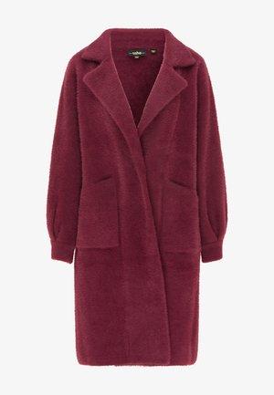 Winter coat - weinrot
