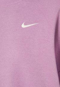 Nike Sportswear - CREW TREND - Sweatshirt - violet shock/white - 4