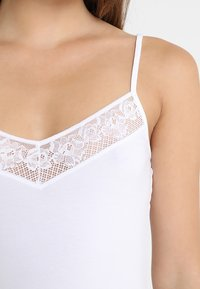 Skiny - DAMEN SPAGHETTISHIRT - Undershirt - white - 4